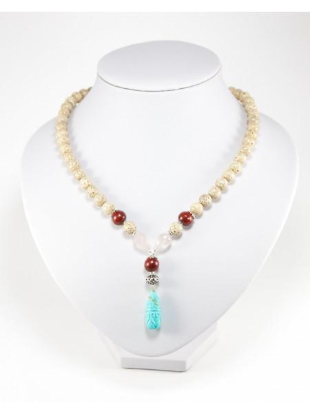 Collier en graine de lotus, quartz rose, bois et turquoise sculptée