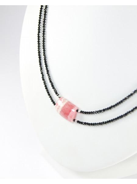 Collier double rangs en spinelle noir et rodhochrosite, bijoux unique artisanaux.