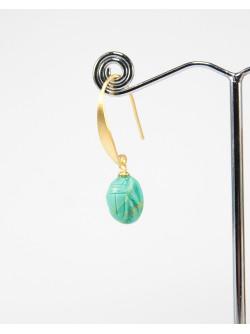 Scarabée en turquoise, montage plaqué or brossé
