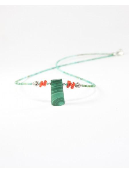 Collier en turquoise, malachite, corail
