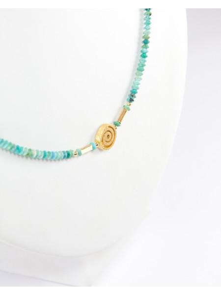 Collier en turquoise, spirale dorée, brossée