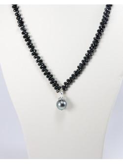 Collier en spinelle noir et perle de Tahiti, argent