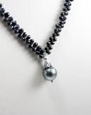 Collier en spinelle noir et perle de Tahiti