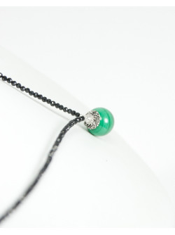 Collier en Spinelle noir et Malachite