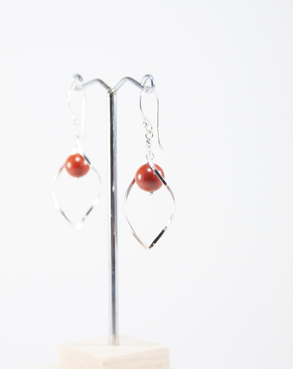 Boucles d'oreilles vrille en Jaspe rouge