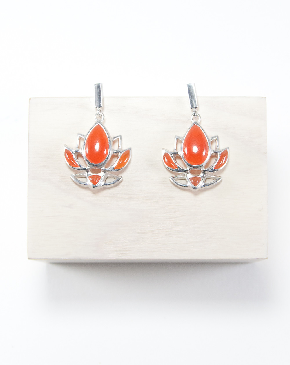 Boucles d'oreilles fleur de Lotus Cornaline, Dokbua, Sanuk création