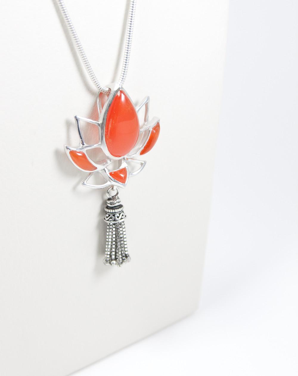 Pendentif fleur de Lotus Cornaline, Grand modèle, collection Khépri, Sanuk Création