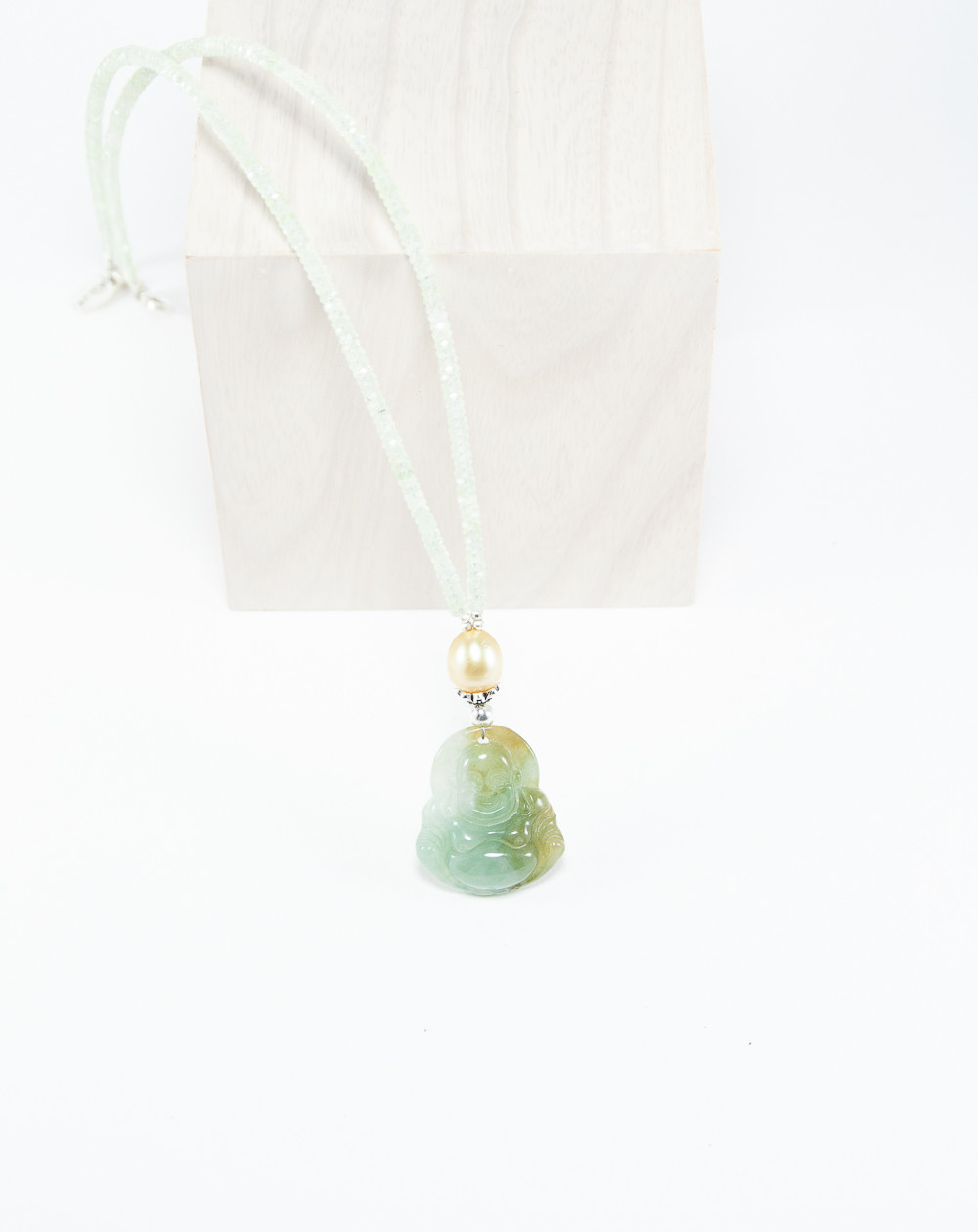 Collier en Préhnite, Perle de Tahiti, Bouddha en Jade. Créateurs Français, Sanuk Création