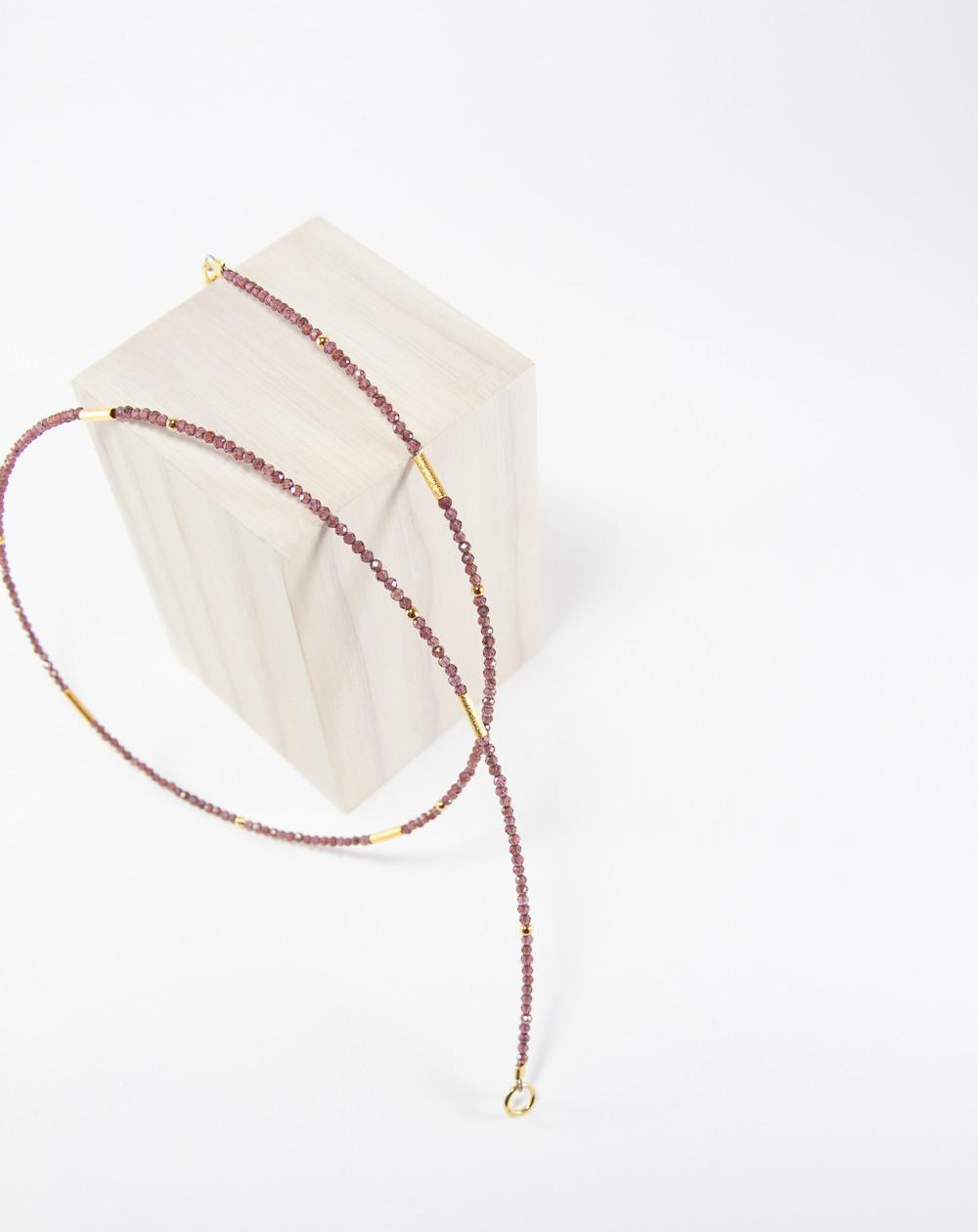 Collier collection épure en Grenat. Créateurs Français. Sanuk Création